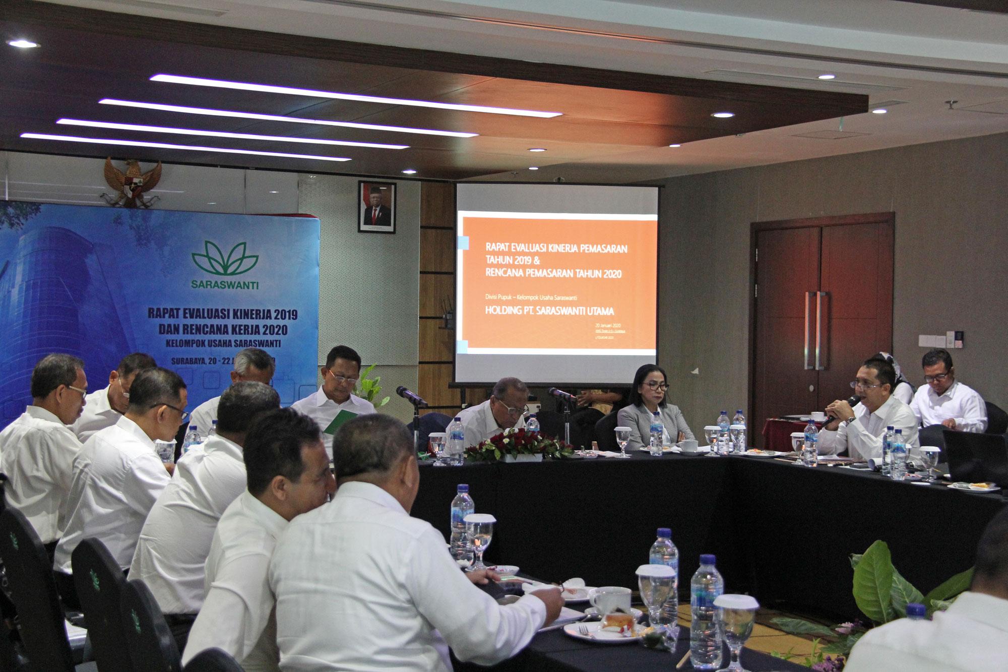 Saraswanti Group Rapat Evaluasi Kinerja 2019 Rencana Kerja 2020 06